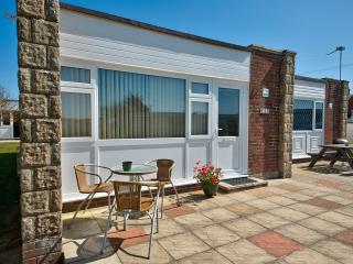 Sunnywight Holiday Bungalows - Freshwater vacation rentals