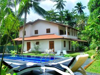 Luxury 5BR Villa with a pool - Hikkaduwa vacation rentals