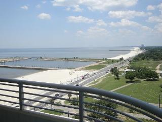 Beautiful 2 bedroom / 2 bath condo with view of Gulf. - Biloxi vacation rentals