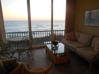 Beautifull Direct gulf Front 2 Bedroom Condo on Si - Siesta Key vacation rentals
