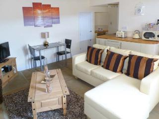 MOORLAND VIEW, ground floor, en-suite facilities, underfloor heating, great base for walking, in Oxenhope, Ref 913054 - Yorkshire vacation rentals