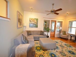 3BR/2BA New Luxury Downtown Austin Townhome on 6th Street - Austin vacation rentals