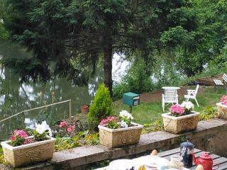 Riverfront Studio Apartment - Rodez vacation rentals