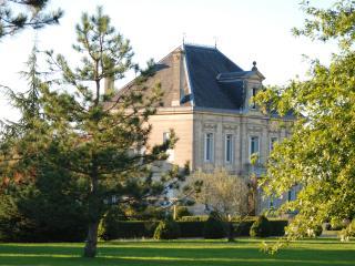 Bed & Breakfast Onze le Bourg - Bordeaux vacation rentals