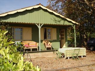Le Chalet Des Chasseurs - Vichy vacation rentals
