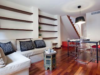COCOA BORN DUPLEX, up to 6! Historic center! - Barcelona vacation rentals