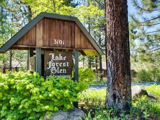 Pools, hot tub, bike trail to Tahoe City, 1 block to Lake! - Tahoe City vacation rentals