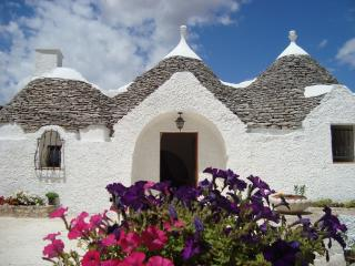 Trulli Arcobaleno - Castellana Grotte vacation rentals
