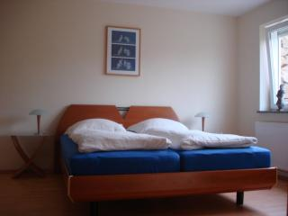 Vacation Apartment in Erfurt - 538 sqft, solar-powered, comfortable, right on the transportation lines… - Arnstadt vacation rentals