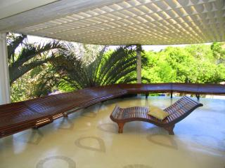 Bright 6 Bedroom House with Pool in Buzios - Cabo Frio vacation rentals