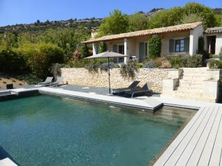 Les Oliviers with WiFi & Pool - Saint-Saturnin-les-Apt vacation rentals