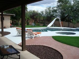 5 Bedrm Home - Sleeps up to 10  Private Pool (not heated) Jacuzzi ($50.00/day - Tucson vacation rentals