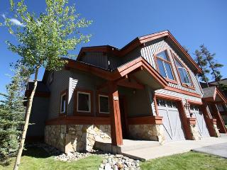 3 Bedroom Ski In Ski Out on Snowflake Run - Breckenridge vacation rentals