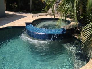 5 Bedroom w/ Lagoon pool, hot tub & golf cart - Holmes Beach vacation rentals