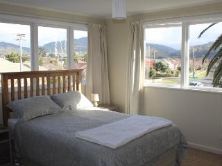 Light, modern, furnished apartment close to shops - Paekakariki vacation rentals