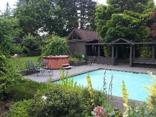 Fantastic home with private pool and hot tub - Eugene vacation rentals
