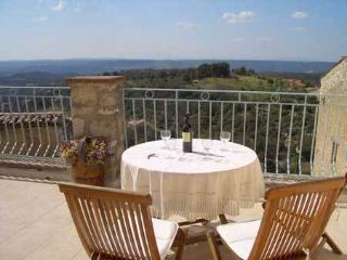Maison Baudinard - Aups vacation rentals