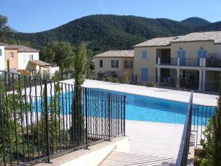 Villa 40 Clos De Vignes - La Mole vacation rentals