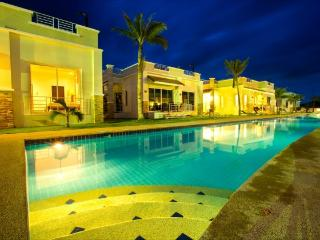Executive Villa with pool & rooftop jacuzzi - Prachuap Khiri Khan Province vacation rentals