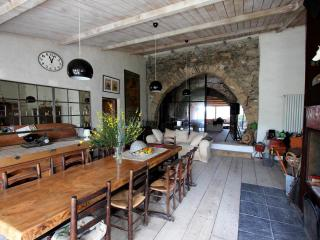 Ancient XIVe sheep-fold - Perpignan vacation rentals