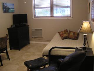 Studio Great Location - Fort Lauderdale vacation rentals