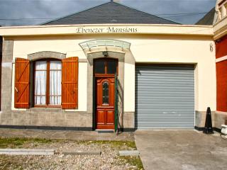 Emmanuelle Mansions - Aumale vacation rentals