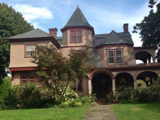 Quaint Victorian Apartment - New Salem vacation rentals