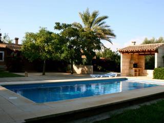 Erveits des Revellar - Campos vacation rentals
