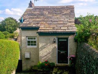 FOXGLOVE COTTAGE, romantic cottage, woodburner, mezzanine sitting area, in Calver, Ref. 28963 - Derbyshire vacation rentals