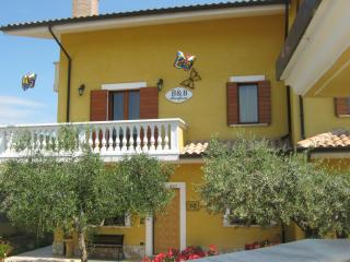 B&B Mariposa - Collecorvino vacation rentals