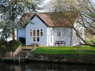 Kingfisher Cottage - Stratford-upon-Avon vacation rentals