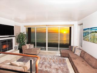 Modern Luxury, custom comforts, and unparalleled white water ocean views - La Jolla vacation rentals