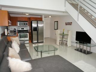 GORGEOUS 1/1.5 LOFT ON 5TH FL IN MIAMI BEACH - Miami Beach vacation rentals