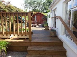 Air Hill, a lovely base with Wifi and Garden - Schull vacation rentals