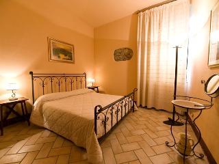 Antico Borgo Poggiarello Suite - Monteriggioni vacation rentals