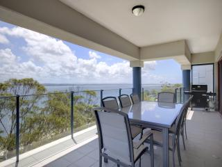 Le Vogue, Unit 11, 16 Magnus Street - Nelson Bay vacation rentals