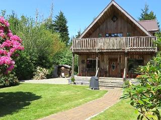 Beach Cottage at Chesterman with Private Sauna - Tofino vacation rentals