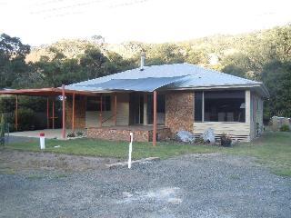 Redgums Holiday House - Halls Gap vacation rentals