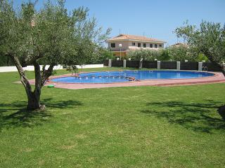 Casa a 300 metros de la playa - L'Ampolla vacation rentals