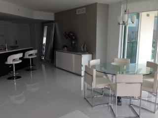 Luxury 3br  St.Tropez by the Ocean! - Sunny Isles Beach vacation rentals