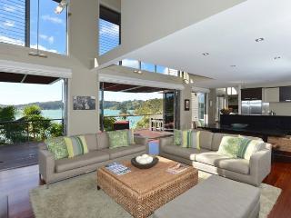 331032c6-efc7-11e2-ae9b-b8ac6f94ad6a - Bay of Islands vacation rentals