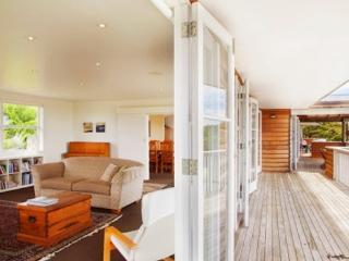 3830527c-f544-11e2-aa71-b8ac6f94ad6a - Waiheke Island vacation rentals
