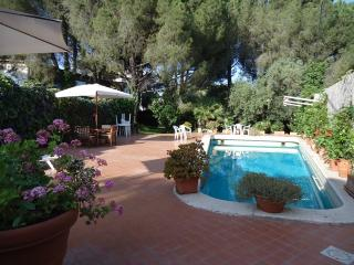 VILLA NORMA:Superb villa with pool,park,all rooms with private bathroom - Custonaci vacation rentals