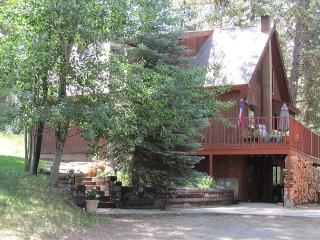 Large Family Style Home Close To McCall Surrounded By Pines - McCall vacation rentals