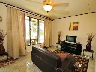 2 bedroom poolside Condo only 150 Yards to the Bea - Jaco vacation rentals