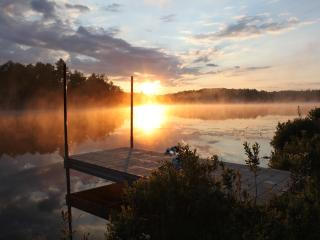 3BR,Sleeps11,Woodstove,Pine,Lakefront cottage FREE - Minden vacation rentals