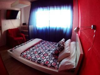 Magnific Studio  In Granada Centre. Special For Co - Granada vacation rentals
