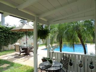 Delray Beach Pineapple Villa. Huge Salt Water Pool - Delray Beach vacation rentals