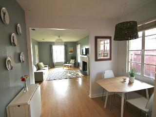 The Woodrow - Quirky, Classy, 3br/1ba - On Bus Line to UT and Downtown! - Austin vacation rentals