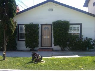 In Old Encinitas, near beaches, shops and train. - Encinitas vacation rentals